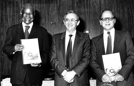 Pelmama Academy Soweto - Clr. F.M. Chuenyane, Chairman of the Pelmama Art, Dance & Music Workshop Trust, Soweto, receiving the Feasibility Report from Prof. Dr P.J. de Lange, part financed by the Anglo American & De Beers Chairman's Fund, Johannesburg, represented by Mr. W. King (at right)